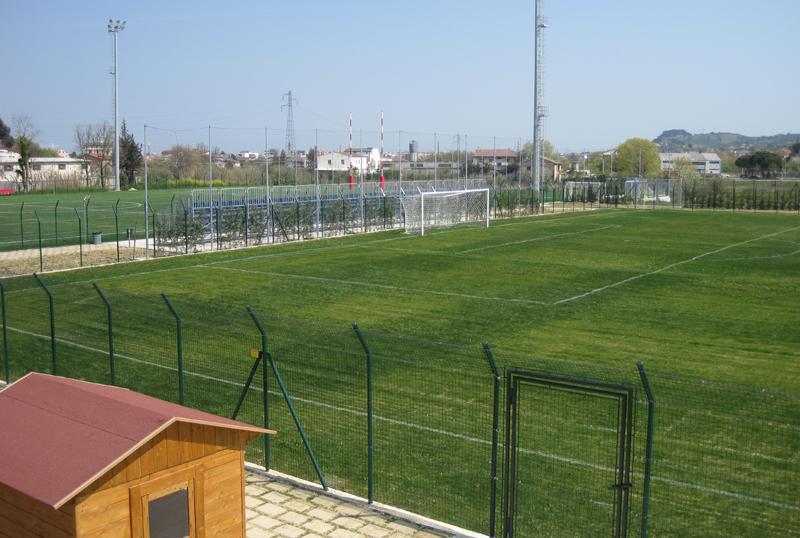 Impianti sportivi s g t multiservizi srl for Piscina sambuceto